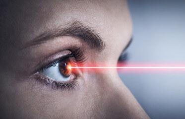 240_F_185646692_w891BIeaj3lJrl12gJUQZCIYLxmj3Ktp Jakiej klasy jest Twój laser? Co należy wiedzieć dla własnego bezpieczeństwa