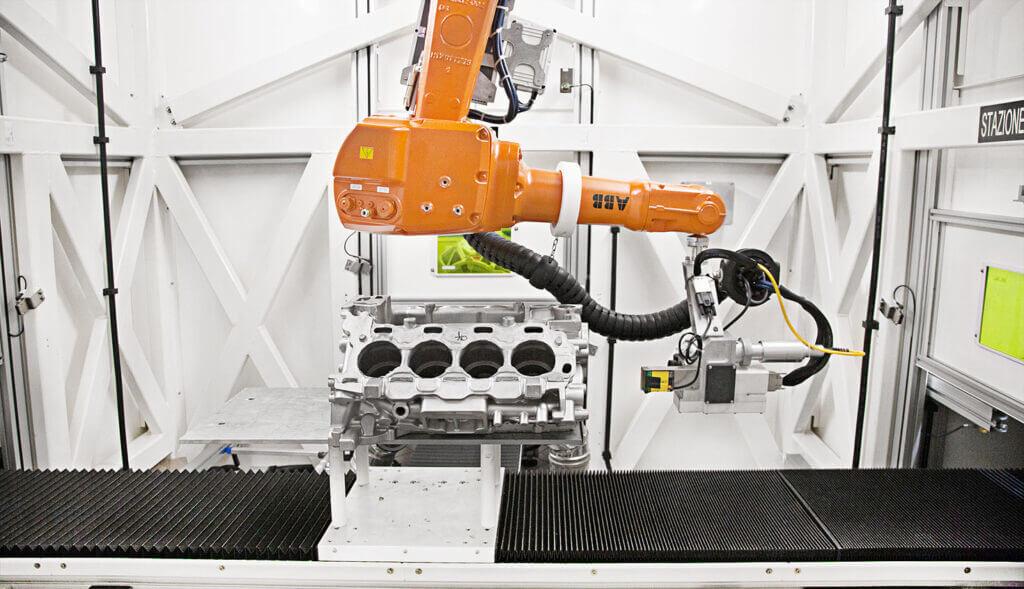 Articolo-Pressofusi-ABB-02-1024x589 System laserowy LASIT i zrobotyzowane wnętrze ABB