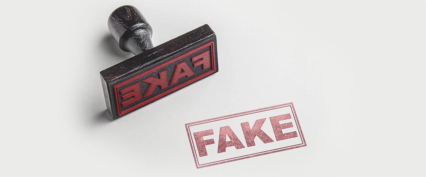 Fake-contraffazione Automatyczne znakowanie laserowe tabliczek z systemem etykietowania