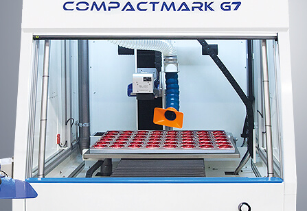 Thumbs-CompactMarkG7-produttivita Automatyczne znakowanie laserowe tabliczek z systemem etykietowania