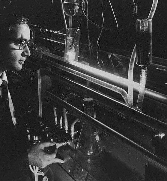 laserstoria1mobile Historia lasera: od Einsteina do Gordona Goulda